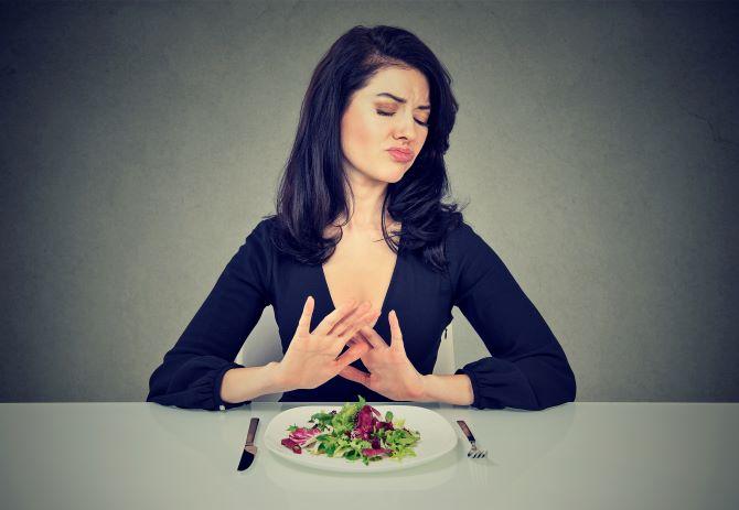第1章血糖値スパイクを招きやすい食事野菜を食べないイメージ画像